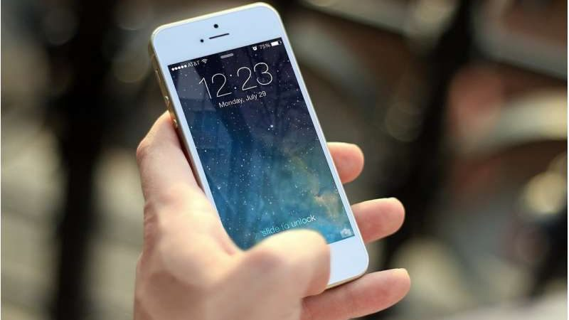 Smartphone-only internet tied to lower patient portal use