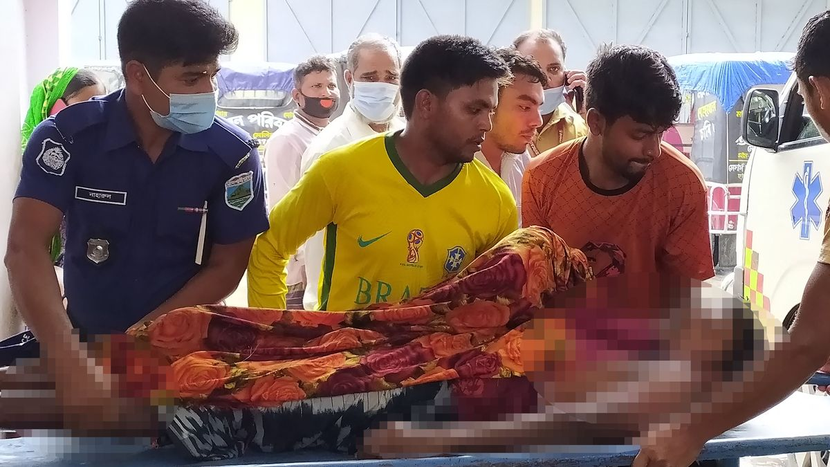 Lightning strike kills 17 wedding party guests and leaves groom and 13 others injured